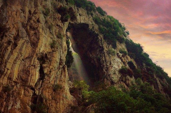 Wisata Alam Tebing Gunung Hawu 4
