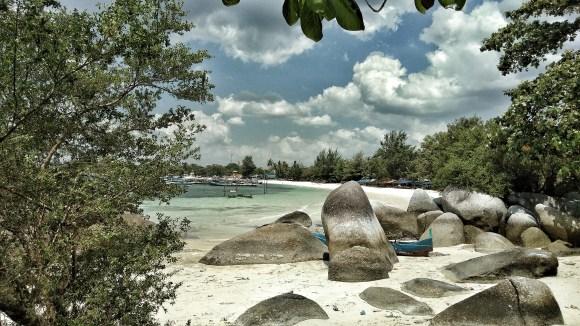Belitung spiaggia e nuvole