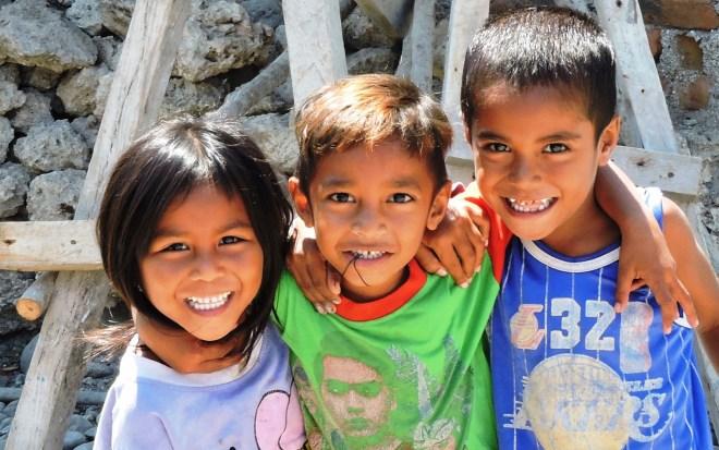 Alor bambini  al villaggio