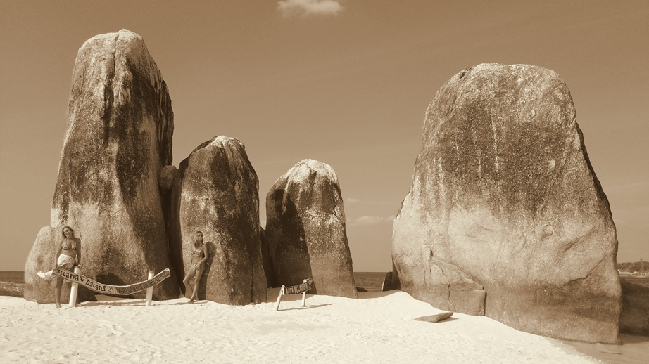 Belitung Batu Berlayar