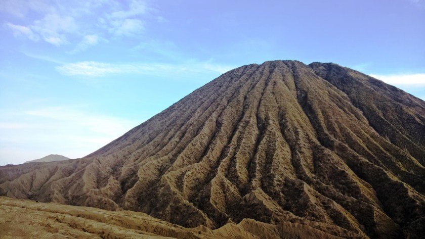 Indonesia viaggi nelle isole Giava vulcano Bromo colate laviche