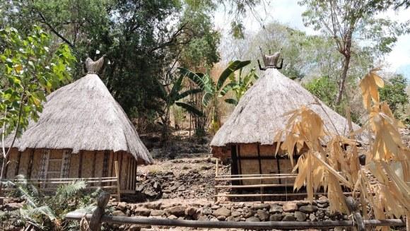 Timor Indonesia capanne al villaggio