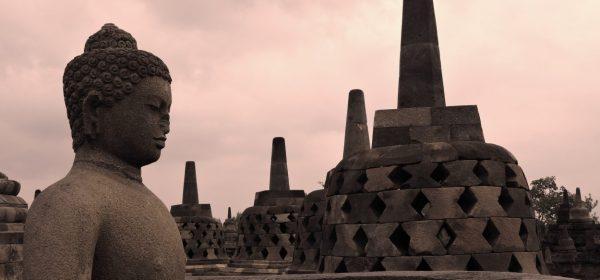 15 meraviglie indonesiane Giava borobudur luci della sera