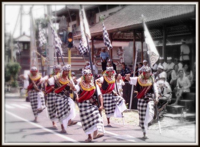 Bali uomini con poleng