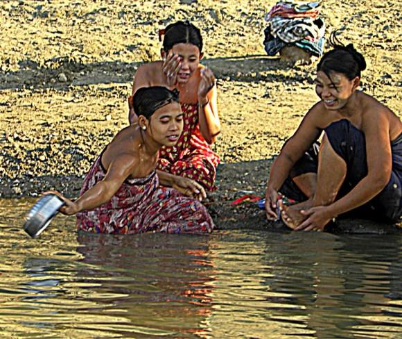 Myanmar Ayeyarwady donne
