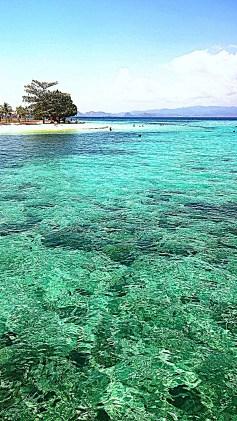 acqua e isole a komodo