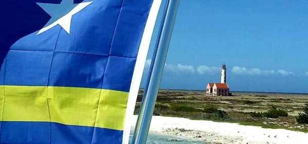 isola di curacao bandiera e mare