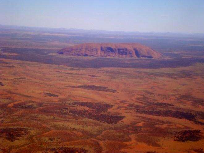 Uluru dall'aereo