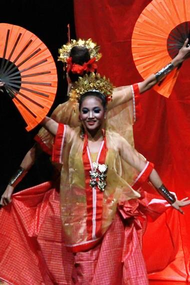 Gambar : Pertunjukan Tari Perang - Negeriku Indonesia