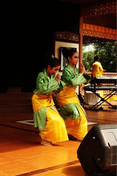 Pakaian Tari Melayu : pakaian, melayu, Harmonisasi, Kesatuan, Gerak, Dalam, Tanjung, Katung, Indonesia