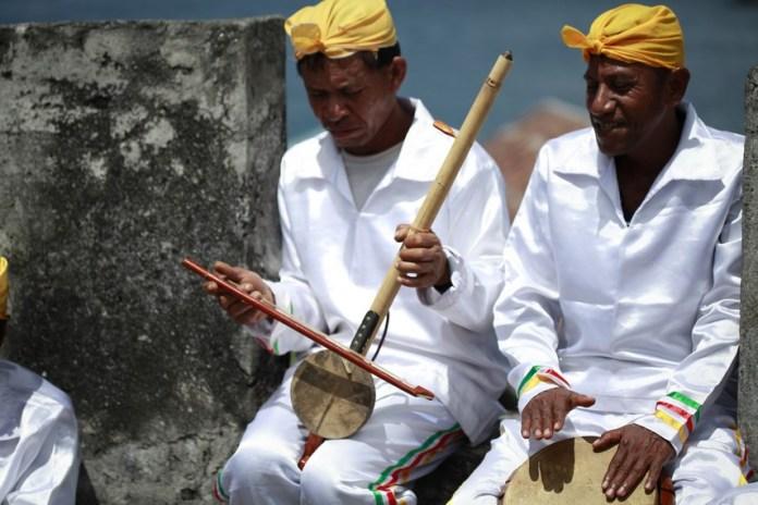 Uniknya Arababu Dalam Lantunan Musik Tradisional Ternate Indonesia Kaya