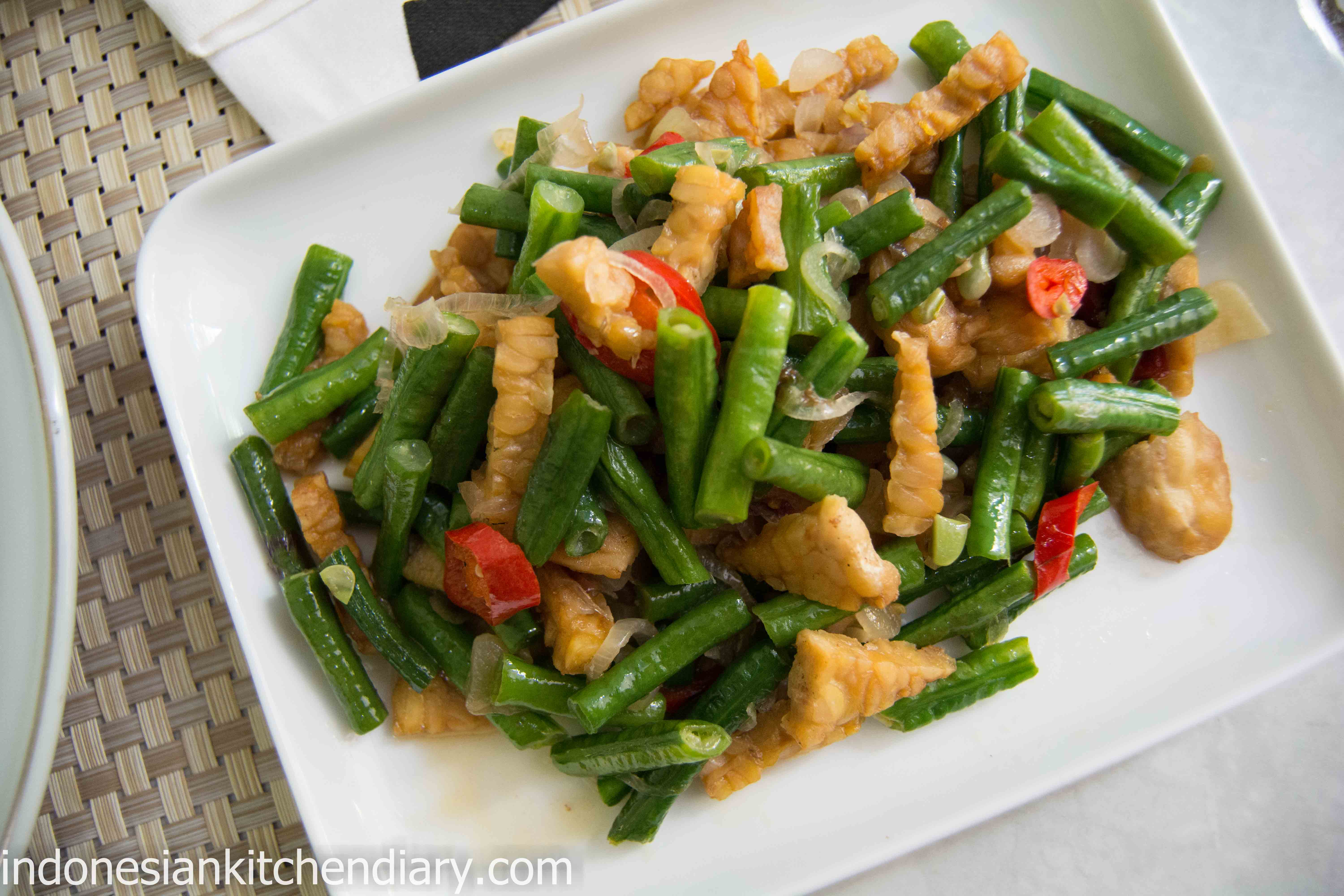 Long Bean and Tempeh Simple Stir Fry