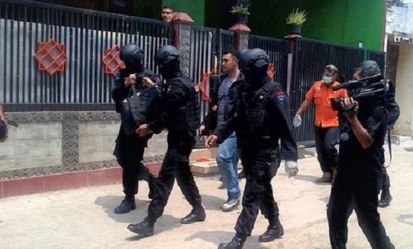 Densus 88 Tembak Mati Dua Teroris di Bekasi