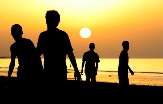 merchants on Kuta beach