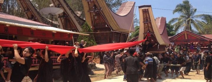 Begrafenisceremonie (Rambu Solo) – Tana Toraja, Zuid-Sulawesi (Celebes)