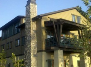 side view of glendora apartment complex