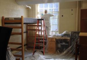mold-inspection-in-univsersity-dorm-room