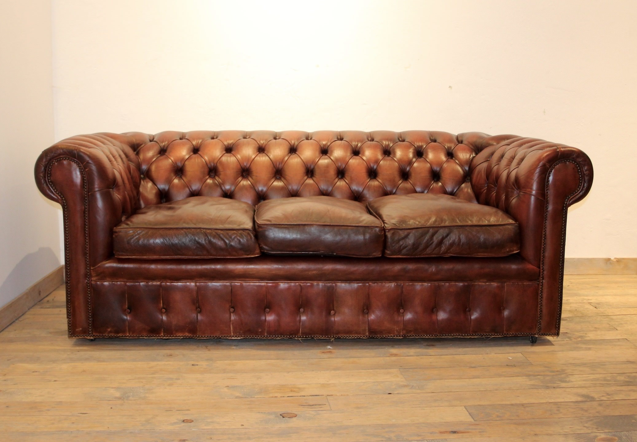 sofa chester barato madrid theatre seating sofÁ indoors