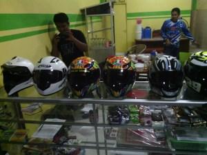 Helm,perangkat safety riding yang paling penting!