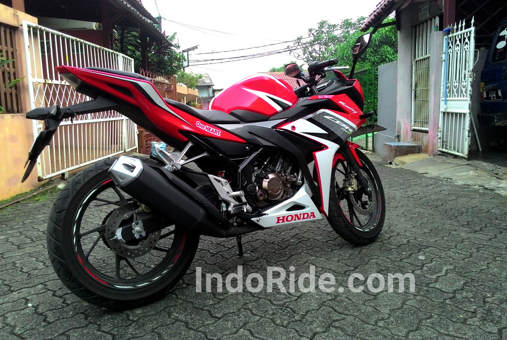 Honda All New CBR150R warna merah