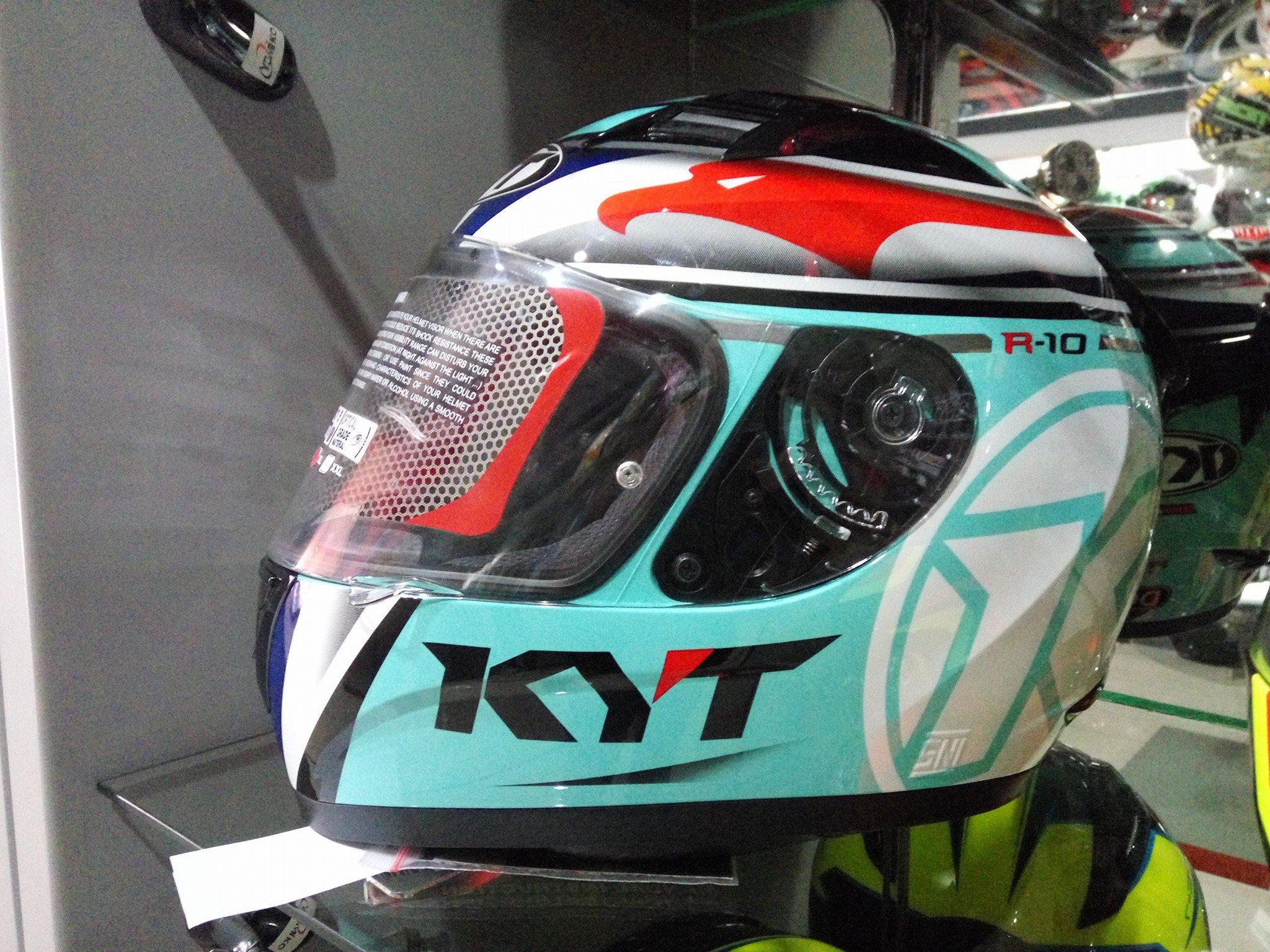 KYT_R10-Flat-Visor-6