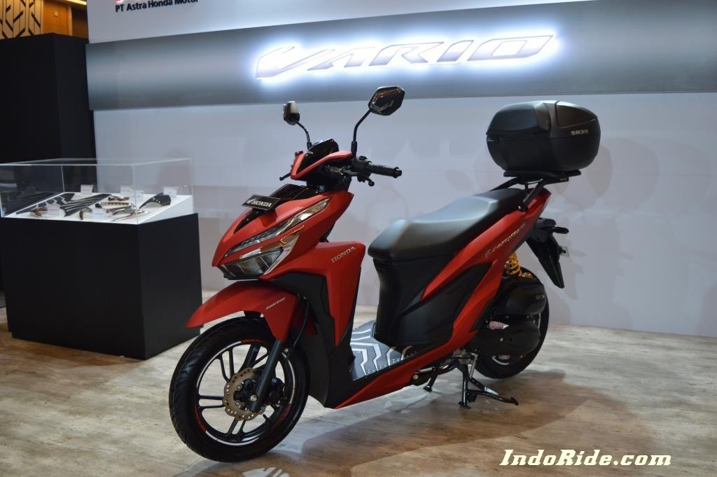 Modifikasi Honda Vario 150 Facelift 2018 Warna Merah Semakin