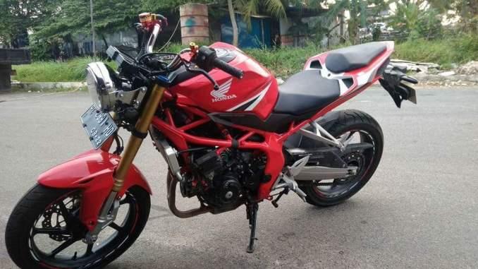 Modifikasi Honda CBR250RR Naked Bike, Tanpa Fairing