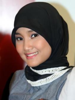 Fatin SL as herself