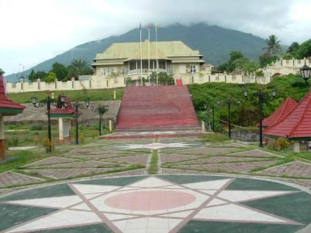 Istana Kesultanan Ternate  Wisata Maluku