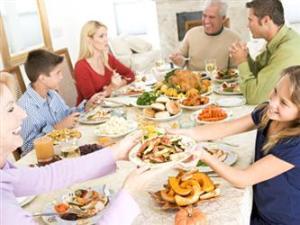 Mengajarkan Table Manner pada Anak, Tata Krama Di Saat Makan