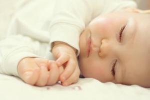 Mitos seputar Tidur Bayi