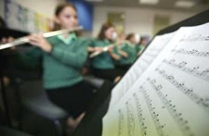 Agar Anak Tertarik pada Alat Musik