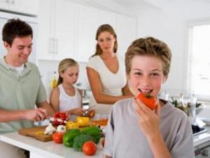 Menjaga Pola Makan Anak