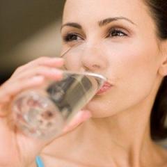 Manfaat Minum Air di Pagi Hari