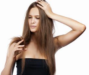 Mengatasi Rambut Bercabang dengan Bahan Alami