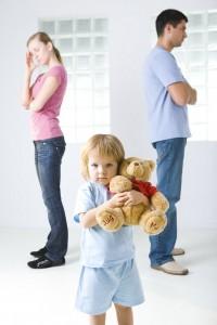 Hindari Menyakiti Perasaan Anak Selama Perceraian