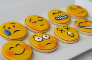 resep emoticon cookies