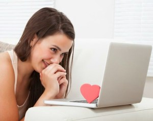 Tanda Kecanduan Kencan Online