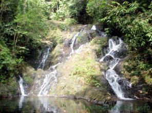 gurok beraye waterfall-1