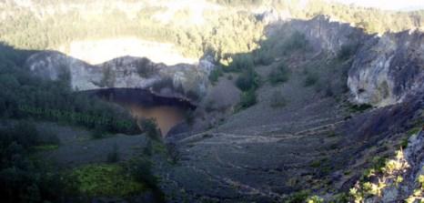 tiwu ata mbupu lake (lake of old people spirit) - kelimutu crater