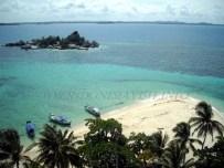 lengkuas island beach