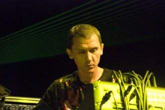12. Thunderbolt (2008) - Live 12