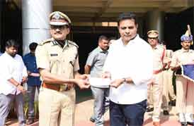 KTR Offers Tributes to Pulwama Martyrs—Donates Rs.25 lakh
