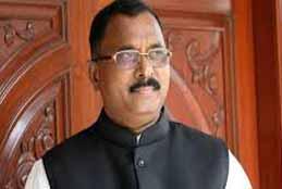 Mallu Ravi Slams State & Centre For Not Solving Onion Crisis