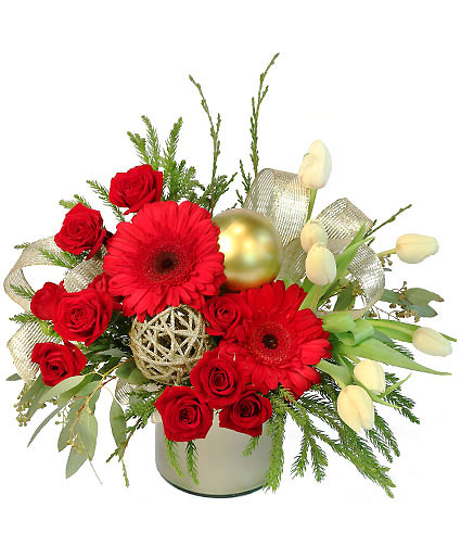festive-evergreen-flower-arrangement-CH040918.425