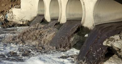 Dirt brown water flowing from pipes (Water pollution)