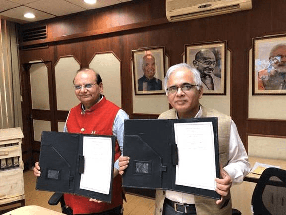 CSIR & KVIC sign MoU to promote honey production; Khadi outlets to display CSIR products