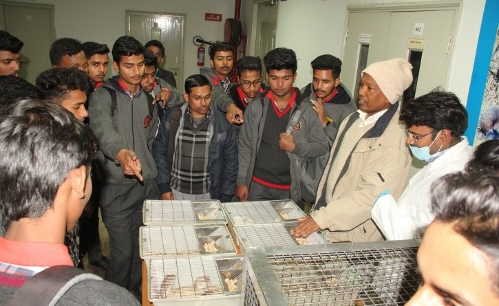 KV Sangathan students visit CDRI for JIGYASA, learn about medicines & drug discovery