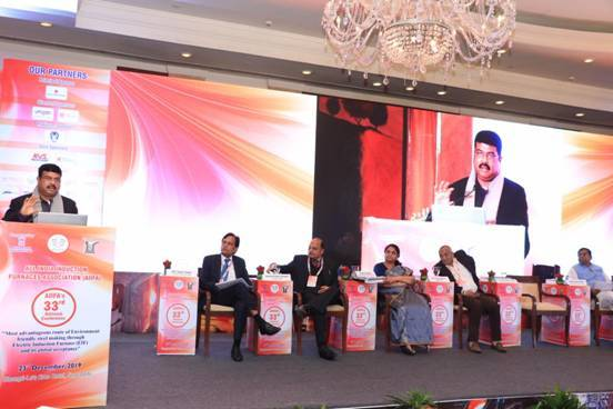 Minister Dharmendra Pradhan urges industry to develop & export new, indigenous tech