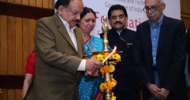Sci-Tech Minister Harsh Vardhan presents DBT BRITE awards to 34 scientists